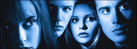 """La época dorada de las películas de """"terror"""" adolescentes, ahora les ha dado por hacer tríos románticos."""