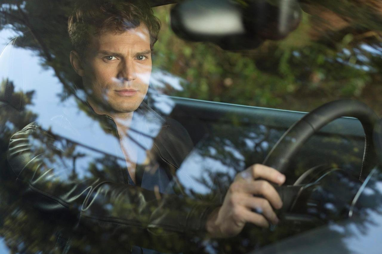 Primera foto de Christian Grey • En tu pantalla
