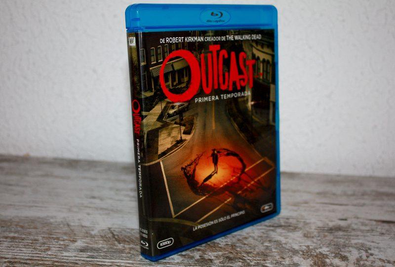 """Análisis Blu-ray: """"Outcast, Temporada 1"""" • En tu pantalla"""