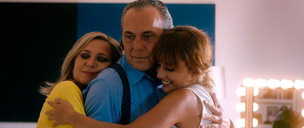 """Review: """"Es por tu bien"""", una familia un tanto peculiar. • En tu pantalla"""