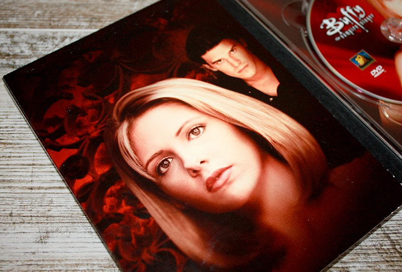 """Comparación: """"Buffy, la cazavampiros: Temporada 2"""" [Edición Dvd – USA vs. España] • En tu pantalla"""
