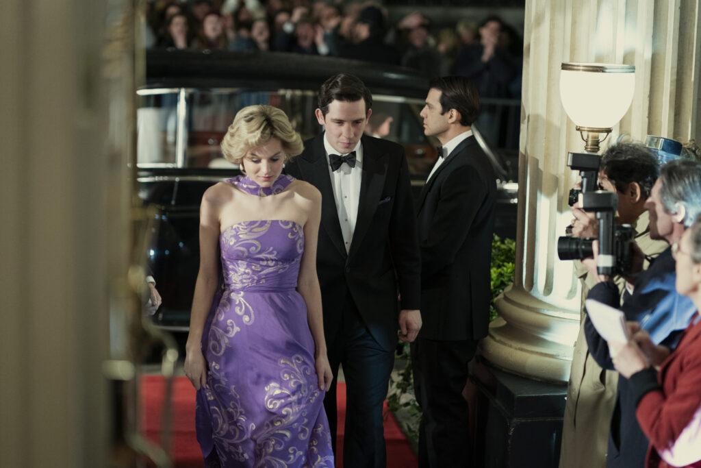 La Princesa Diana (Emma Corrin) y el Principe Charles (Josh Connor) en la 4ª temporada de 'The Crown'. (Fuente: Netflix)